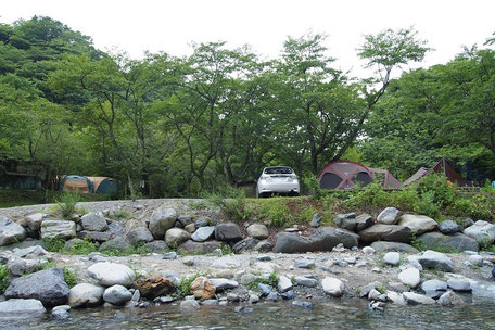川沿いキャンプ