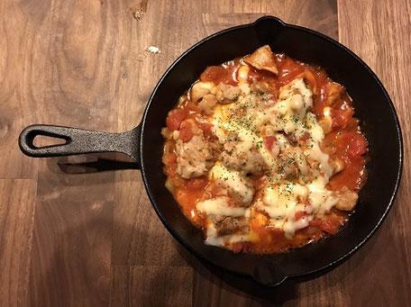 スキレット鶏肉トマトソテー