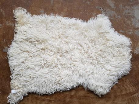 Witte schapenvacht met krulletjes