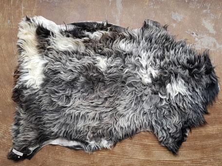 Schapenvacht grijs zwart wit