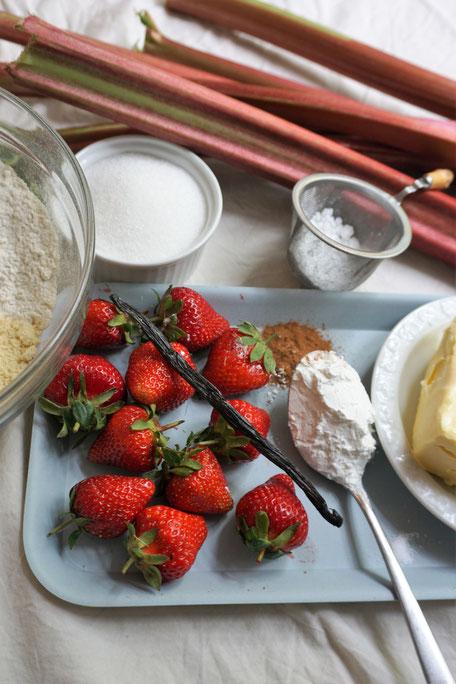 Rhabarber-Erdbeer-Crumble