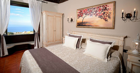 Studios | Price per night: 75,00€ | 2 night minimum stay