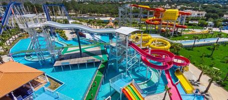 First Transfers und Tours in Galé,Albufeira,Algarve,Portugal perfekt zum Buchen um zum Aquashow Wasser Park zu kommen mit familien oder Freunde.