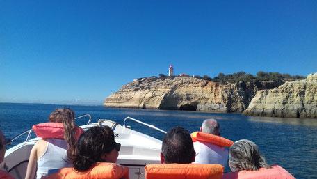 Boat Trip Praia de Vale de Centianes,Algarve,Portugal wunderbar für Familien Grotten Fahrt an den Stränden