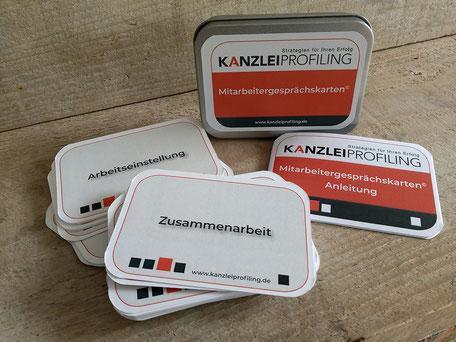 Image Design. Kartenspiel mit Blechdose für Kanzlei Profiling Marion Ketteler. Von Funkenflug Design Münster.