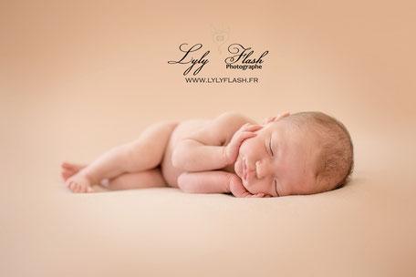 post newborn posing photo bébé