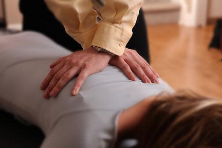 Chiropractic adjustment by chiropractor in Nixa Missouri