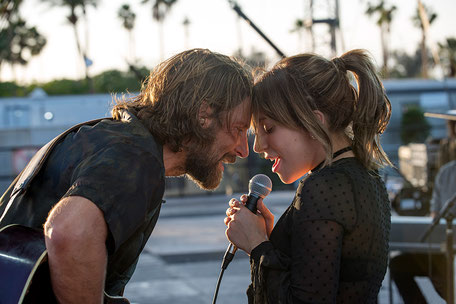 """Viel Musik und Romantik gibt es in """"A Star Is Born"""". (c) Warner Bros. Entertainment Inc."""
