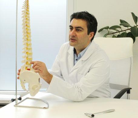 Dr. Mahvash Neurochirurg Wirbelsäulenspezialist Wirbelsäulenexperte in Köln und Siegburg