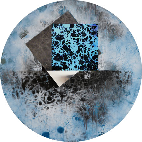 Katharina Lehmann, Mirrored surfaces in a circle, Ø 40 cm / 16 in, 2019 · Acrylic on foil