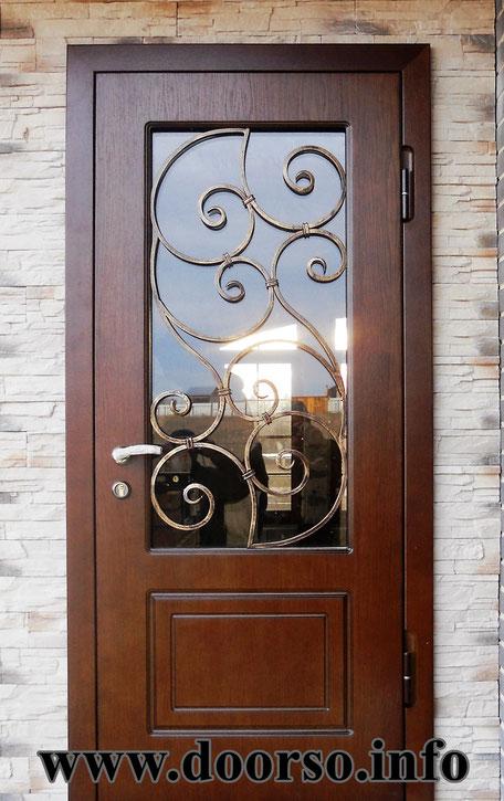 металлическая дверь с окном + ковка.