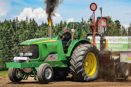 Lohnunternehmen Guggisberg Zimmerwald Pulling Team Guggisberg Tractor Pulling Zimmerwald