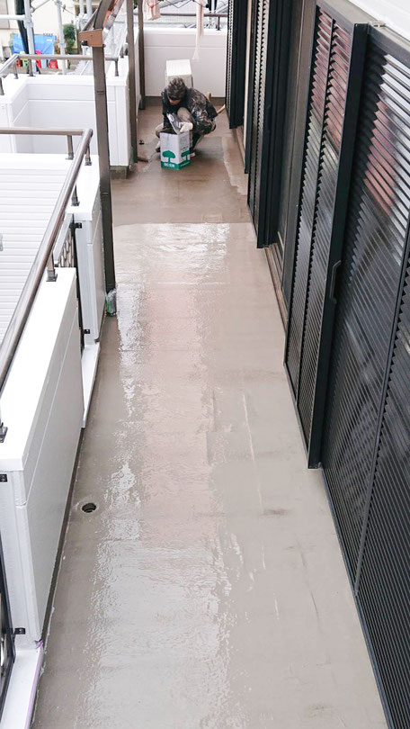 ベランダの雨漏り修理 1