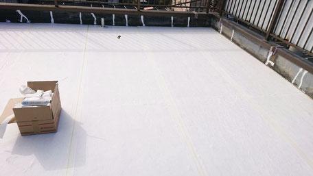 千葉市若葉区千城台北の屋上防水工事中