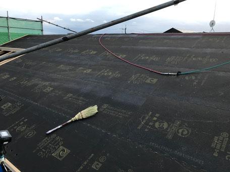 栃木県のバルコニー菜園のある家の家づくりの様子/屋根の工事