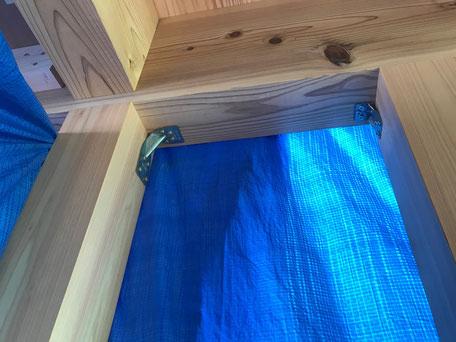栃木県のバルコニー菜園のある家の家づくりの様子/構造金物の取り付け