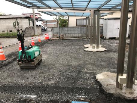 栃木県のバルコニー菜園のある家の家づくりの様子/砕石敷き