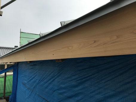 栃木県のバルコニー菜園のある家の家づくりの様子/外部の塗装
