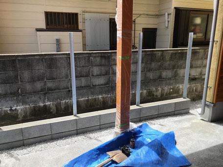 栃木県のバルコニー菜園のある家の家づくりの様子/目隠し塀の造作