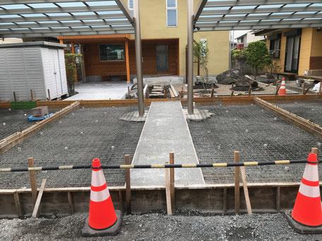 栃木県のバルコニー菜園のある家の家づくりの様子/ワイヤーメッシュの施工