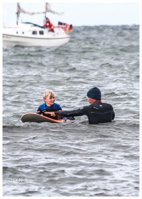 Wellenreiten in Kühlungsborn an der Ostsee- Oceanblue Watersports Surfkurs Wellenreitkurs