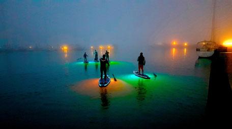 Night SUP an der Ostsee in der Surfschule