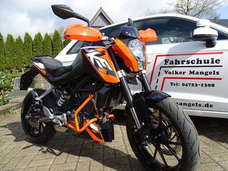 Duke Motorrad für die Fahrschulausbildung