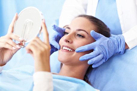 Professionelle Zahnreinigung in der Praxis Dr. Koravi
