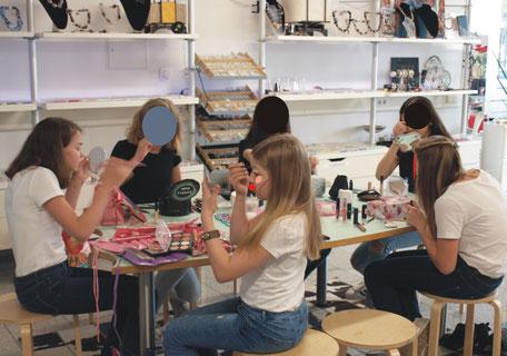 Teenagergeburtstag Freunde  Fotoshooting ELA EIS Düsseldorf schminken und verkleiden Mädchen