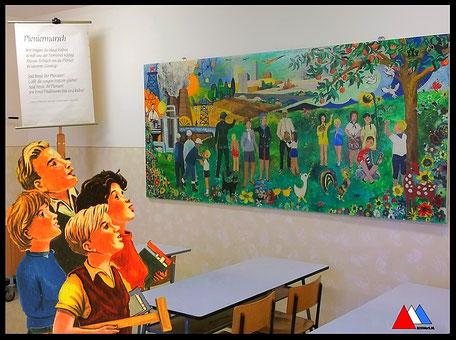 School museum Leipzig  wandschilderij  jaren 1970 - 1980 foto auteur.