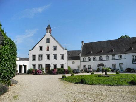 Klostergut Besselich freie Trauung Hochzeitsredner THOMAS
