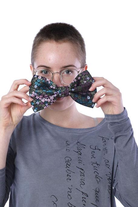 PROUGS upcycled Haarschleife mit Haarspange Blumenau