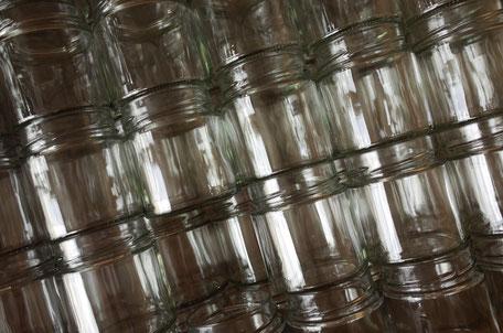 Bild leere Honiggläser