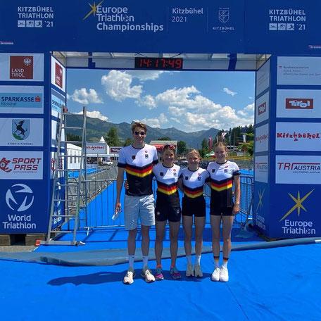 Mit drei Titeln erfolgreich bei den Europameisterschaften: das Triathlon-Team des DSW Darmstadt