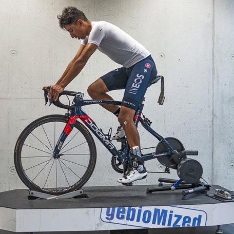 Bikefitting mit Egan Bernal