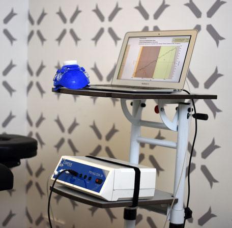 Die Funktionsanalyse des Stoffwechsels in Ruhe (Ruheumsatzmessung) erfolgt mit einem hochauflösendem Spiroergometrie-System nach medizinischen Standards