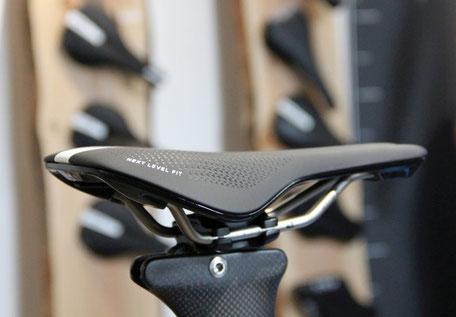 gebioMized Fahrradsattel für Rennrad und Mountainbike