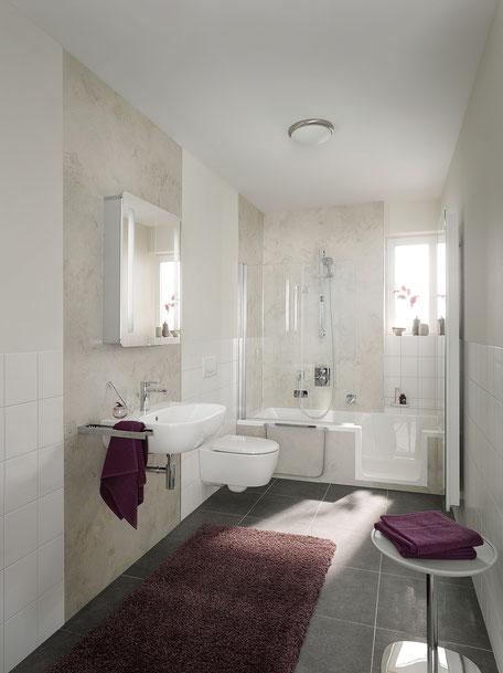 Wandverkleidungssystem Renodeco und Duschwanne Dobla © HSK