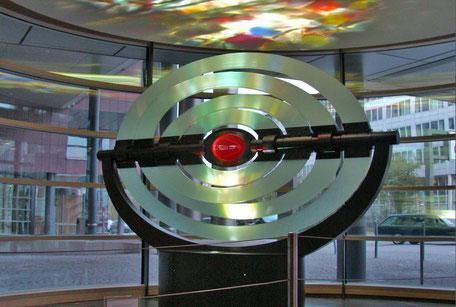 kunst am bau, lichtkunst, foyer mit kunst, cartier büro, münchen leuchtet, lichtwoche münchen