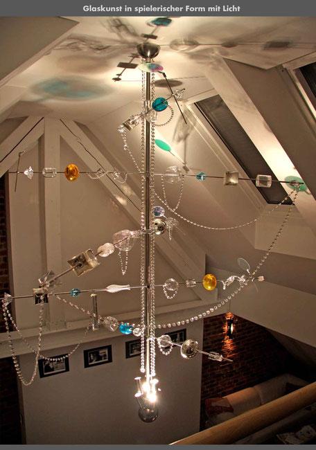 moderne kronleuchter_gerdi_lüster-chandelier_glasdesign_schöbel lüsterbehang_bruno kiesel_ingomaurer_solveig kiesel
