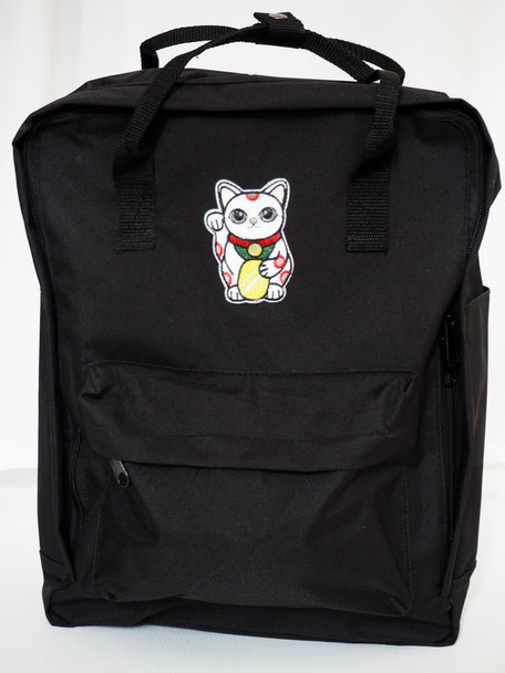 MANEKI NEKO BACKPACK BLACK 34,95€