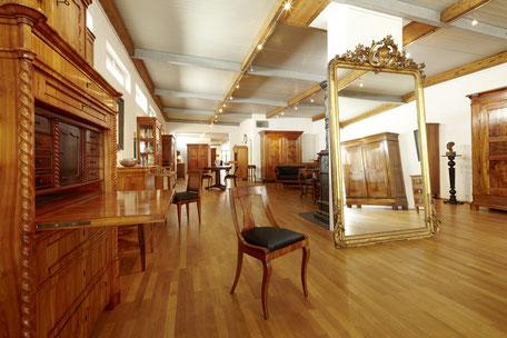 Antiquitäten, Antiquitätenhandel, Restauration - Möbel nach ...