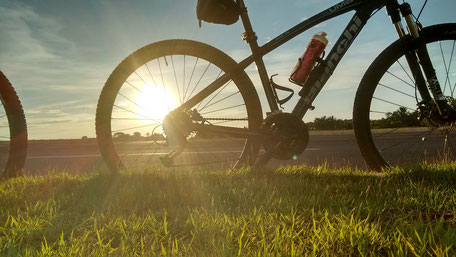 vélo de course à la campagne