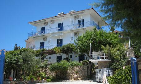 Griechisches Haus mit Umschwung. Rooms to let Zaga, Koroni Griechenland