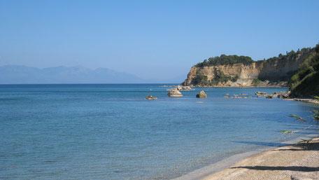 Blick aufs Meer, Agia Triada Strand, tiefblaues Wasser. Geführte Wanderung nach Agia Triada