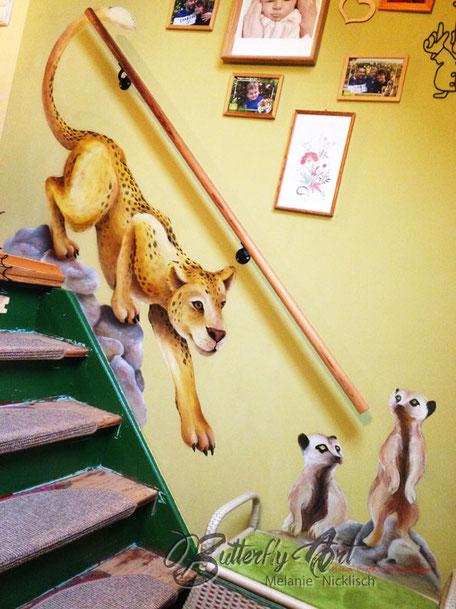 kunstvoll bemalter Treppenaufgang