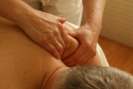 Kräftige Männermassage