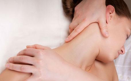 massaggi connettivali schiena decontratturanti distensivi