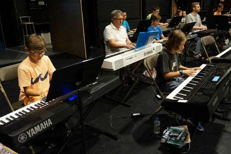 Ecole de musique EMC à Crolles : répétition lors du cours de piano.