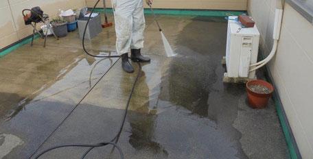 屋上防水改修工事(施工中)